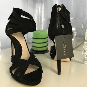 ZARA BASIC COLLECTION Black Suede Strappy Sandals